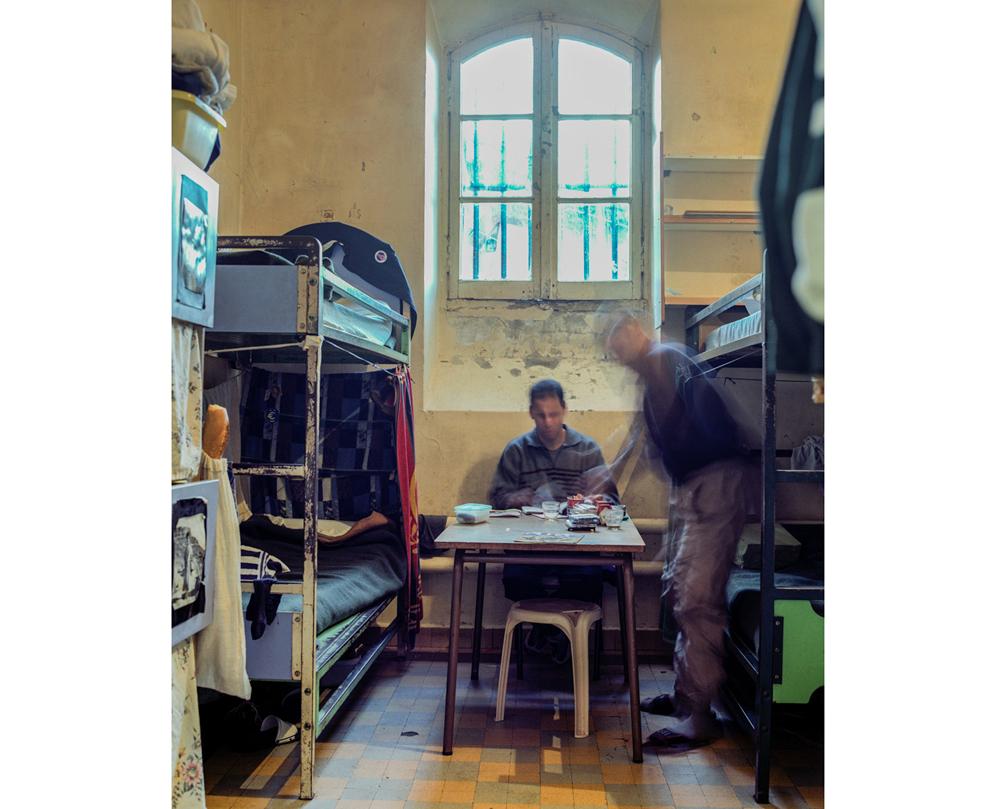 interieur cellule quartier homme Décembre 2002