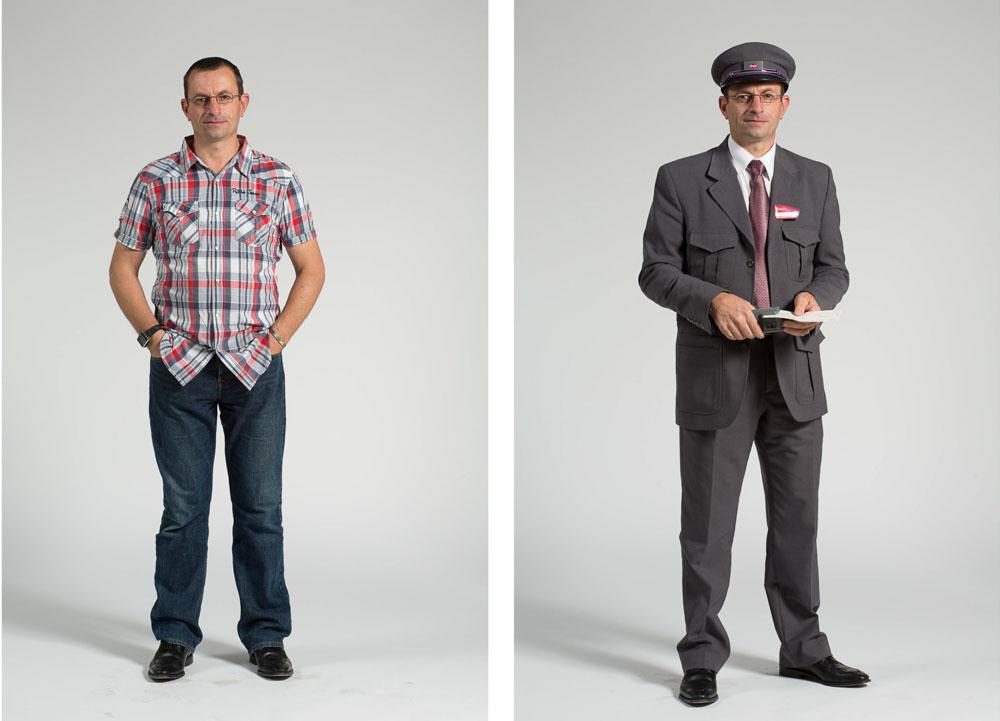 un chef de bord SNCF ou contrôleur pose en pied sur fond uni en habit de ville puis uniforme