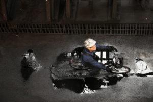 Usine pétrochimique la Cofrablack ou orion carbons au Bec d'Ambes en Gironde