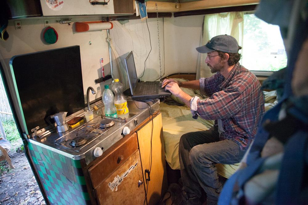 d licieux vivre dans une caravane 6 camion caravane en vintage style couleurs pastel vivre. Black Bedroom Furniture Sets. Home Design Ideas