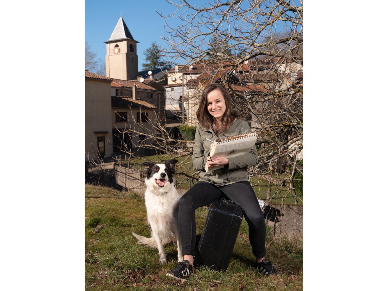 Anaïs, dessinatrice usagers voie verte Parc naturel Haut-Languedoc région Occitanie