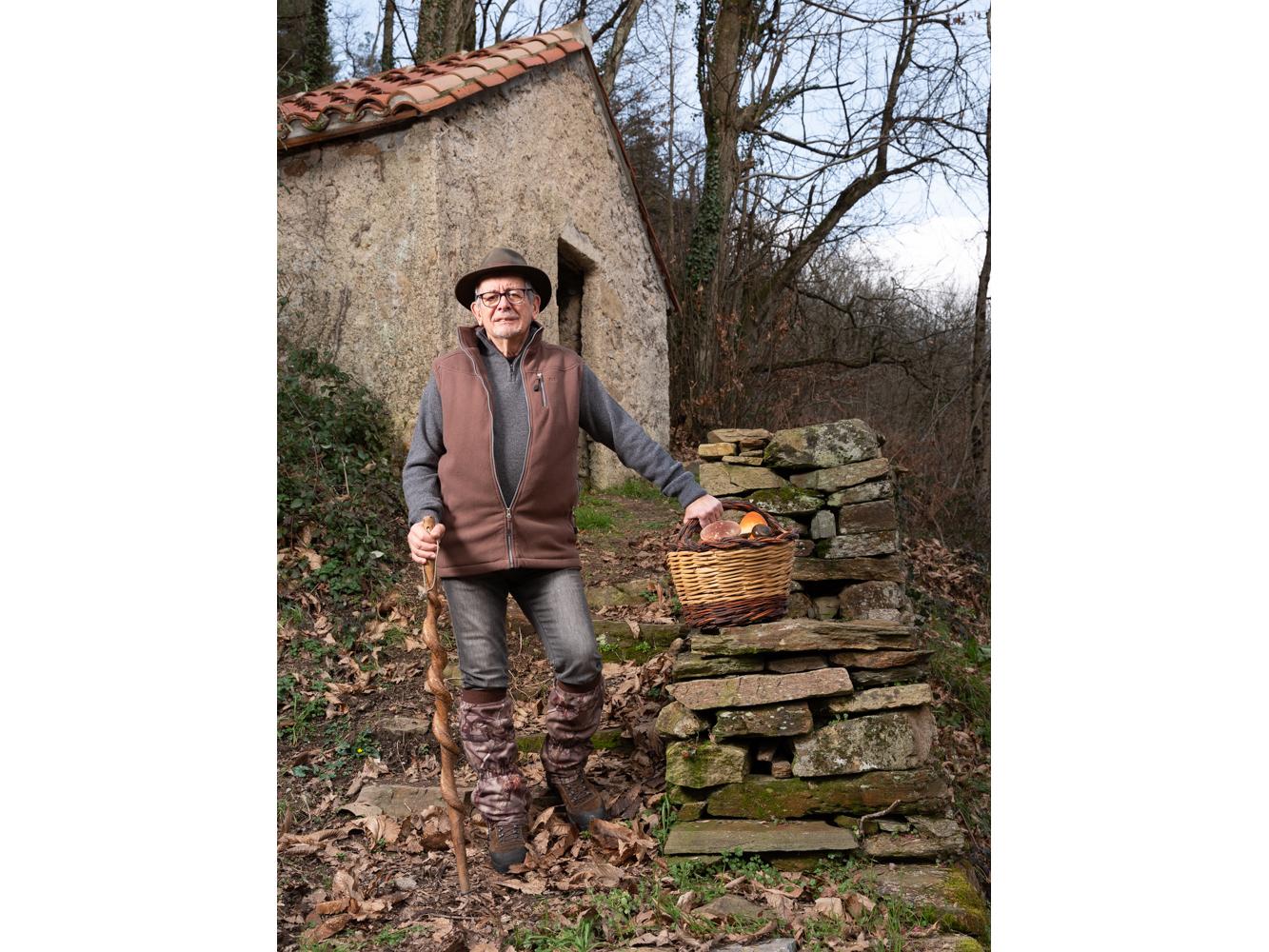 Serge , retraité enseignement Anglès usagers voie verte Parc naturel Haut-Languedoc région Occitanie