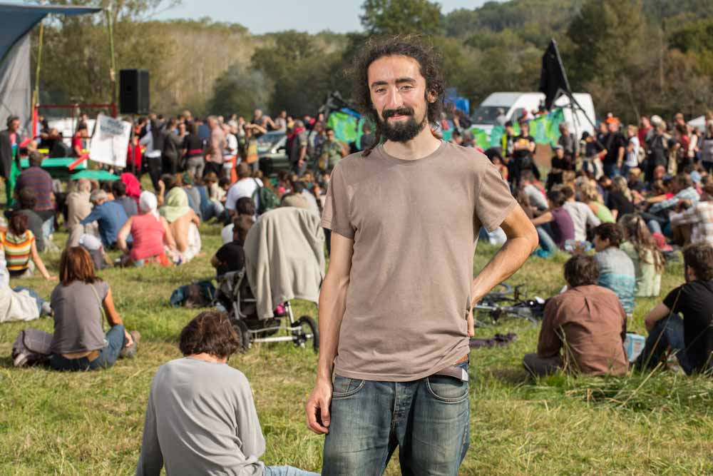 zadiste manifestant contre le barage de Sivens sur le site