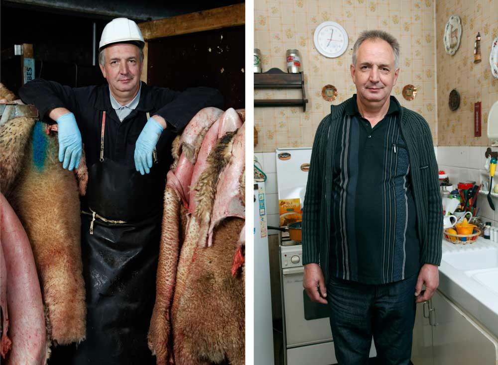 L'abattoir. Dans ce diptyque, sur la première image, un boucher devant des peaux d'ovins sur la seconde il pose chez lui dans sa cuisine