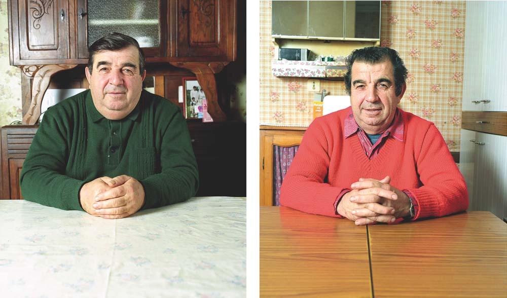 Agriculteurs Jumeaux posant dans salle à manger