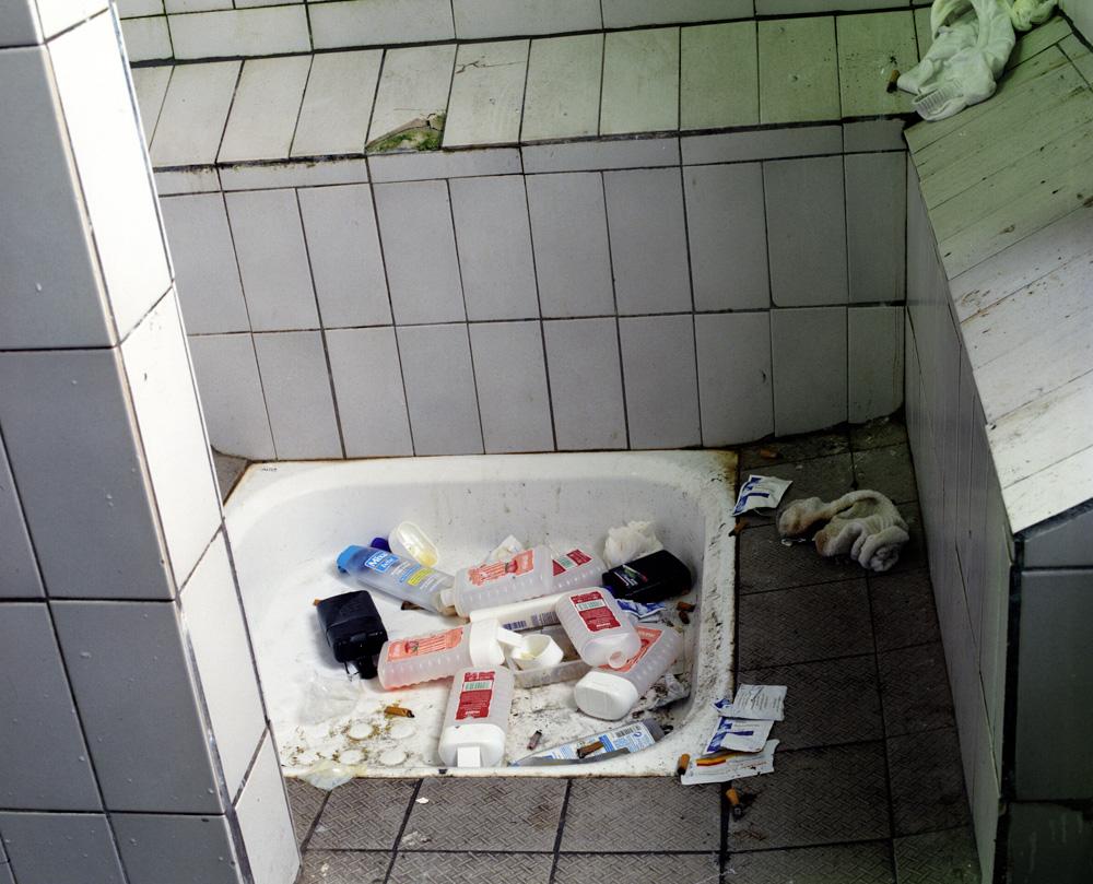 douche, quartier homme Décembre 2002