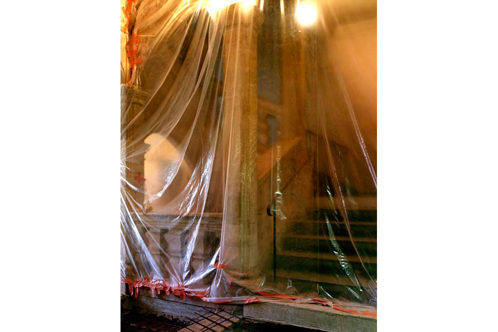 Chantier de rénovation Musée Toulouse-Lautrec d'Albi protection des escaliers en pierre