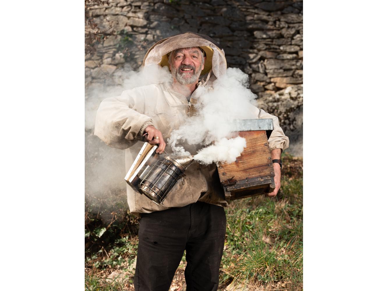 André au Riols, apiculteur usagers voie verte Parc naturel Haut-Languedoc région Occitanie