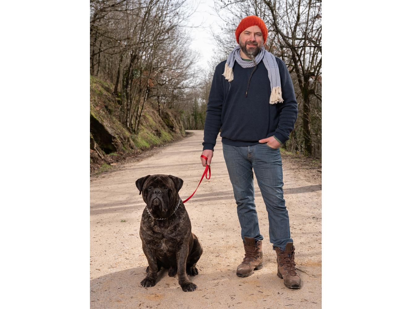Benoît, artisan, usagers voie verte Parc naturel Haut-Languedoc région Occitanie